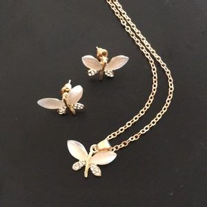 """🦋 18"""" gold color butterfly necklace & earrings 🦋"""